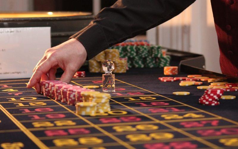 Simple Ways In Choosing A Gambling Site